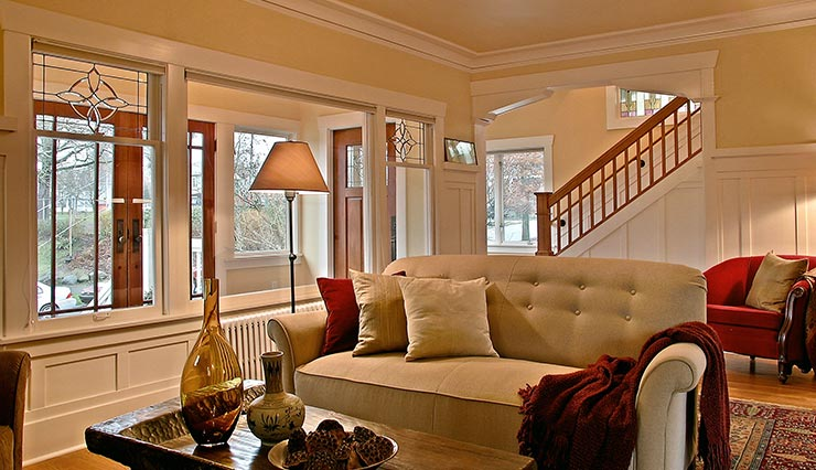 Mucci Truckess Architecture: Hilltop Craftsman - New Entry seen from Living Room